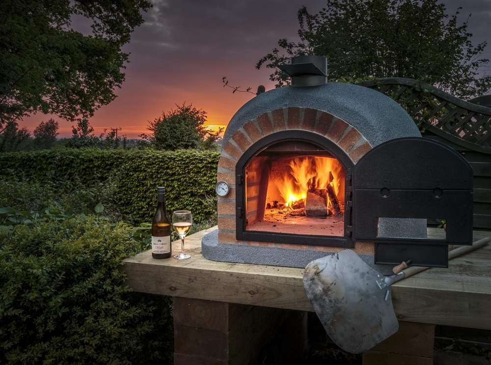 Merveilleux Wood Fired Pizza Ovens Are Multi Tasking